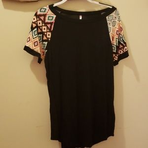Tops - Long black shirt with Aztec print sleeves